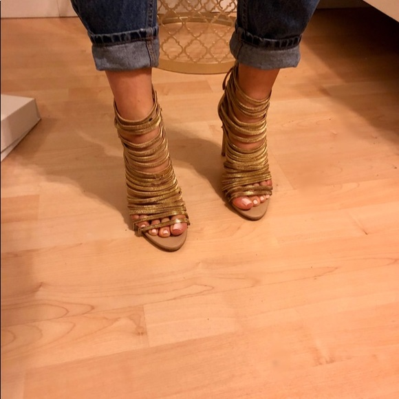Zara Shoes - Gold chain heel